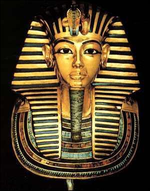 Les trois sarcophages de Toutânkhamon sont en or massif.