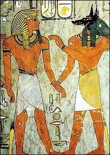 Sur les peintures, les Egyptiens sont toujours montrés en entier des pieds à la tête.