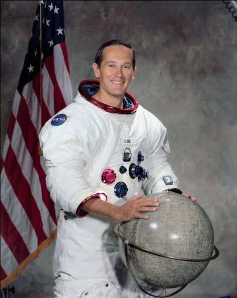Il est à ce jour le dixième homme, mais aussi le plus jeune, à avoir marché sur la Lune.