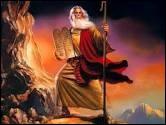 Qui a aidé les Hébreux à quitter l'Égypte pour se rendre en Terre promise ?