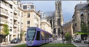 Quelle est la spécialité de la ville de Reims ?