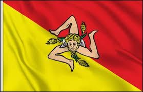 Sur cette image, vous avez le drapeau de la Sicile.