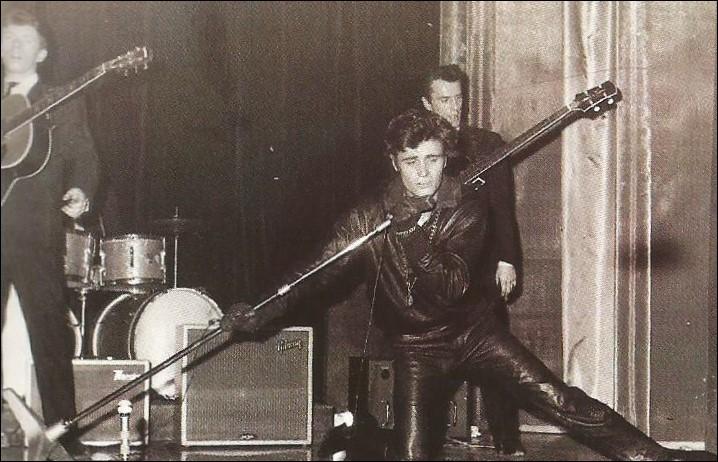 """Qui est cet """"ange noir du rock'n'roll"""" ?"""