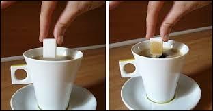 Comment appelle-t-on un morceau de sucre trempé dans une boisson ?