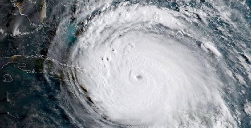 Quel est le nom de l'ouragan qui a dévasté entre autres Saint-Barthélemy et Saint-Martin en septembre 2017 ?