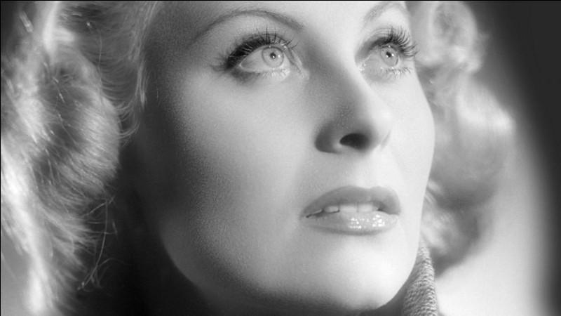 À qui Jean Gabin dit-il cette réplique devenue célèbre ''T'as de beaux yeux, tu sais ?'' ?
