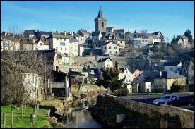 Comment appelle-t-on les habitants de Saint-Chély-d'Apcher (Lozère) ?