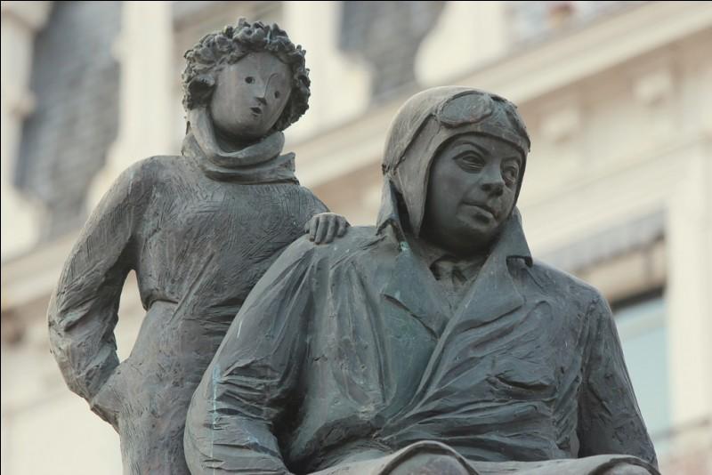 """Quel était le prénom de Saint-Exupéry, à qui l'on doit """"Le Petit Prince"""" et """"Vol de nuit"""", entre autres ?"""