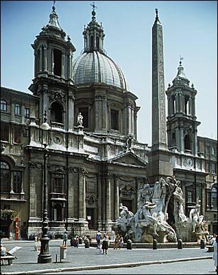 L'Eglise Saint-Agnès de Rome est de style baroque.