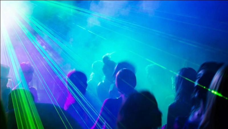Quelle est la première fête qui a lieu dans la série ?