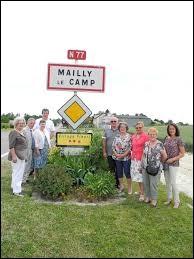 Pouvez-vous me donner le gentilé des habitants de Mailly-le-Camp (Aube) ?