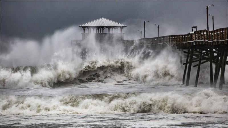 Quel nom a été donné à l'ouragan qui a frappé la Caroline du Nord en septembre 2018 ?