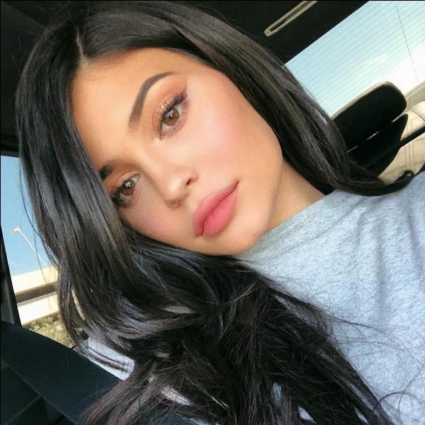 Le compte de Kylie Jenner est un compte...