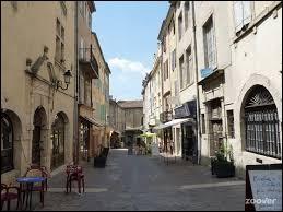 Comment appelle-t-on les habitants d'Aubenas (Ardèche) ?