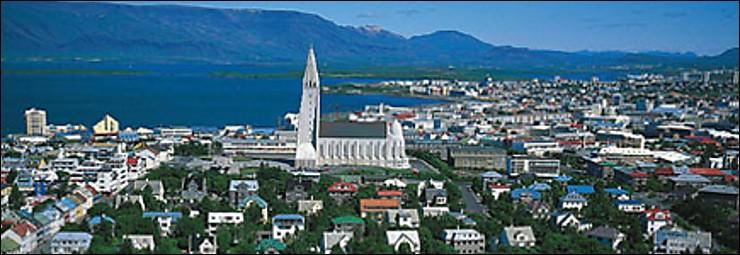 Cette ville du nord, capitale de l'Islande, c'est :