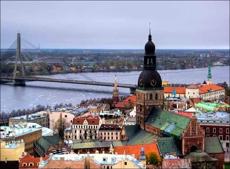 Cette ville de la Baltique, capitale de la Lettonie, c'est :