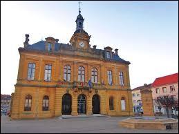 Nous commençons à Longuyon (Meurthe-et-Moselle), ville où les habitants se nomment les ...