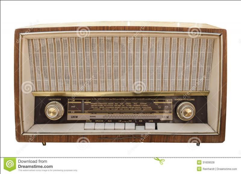 Jadis, un minerai était utilisé dans les postes de radio, lequel?