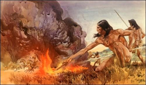 """Après l'apparition des premiers hommes vers 2,5 millions d'années avant Jésus-Christ, a lieu la découverte du feu par les """"homo erectus"""" qui vivent en Afrique, mais aussi en Europe et en Asie. Mais que signifie ce nom ?"""