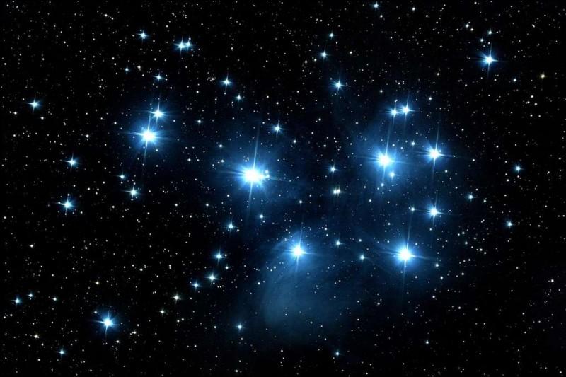 Environ combien d'étoiles peut-on voir à l'œil nu ?