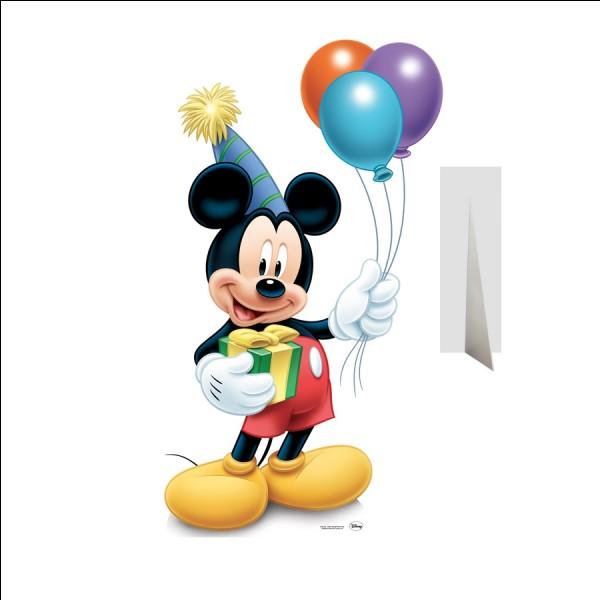 La maison de Mickey ressemble à ...