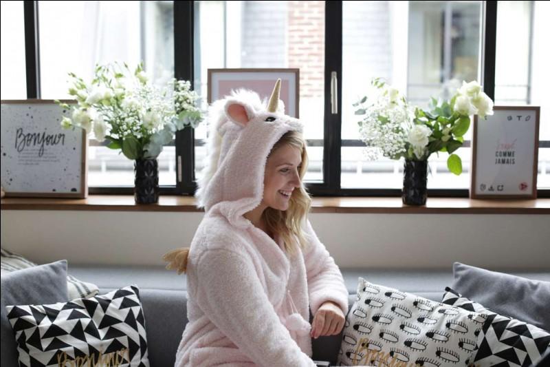 Margot de Margot la licorne habite dans une maison comment ?