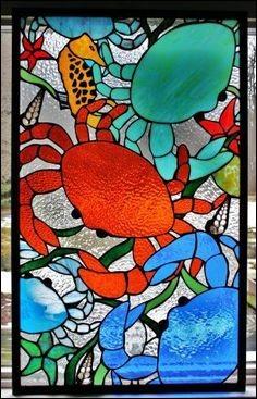 Quel crabe a les yeux rouges et une carapace brune, ou verdâtre, et qui sert en général à faire des soupes ?