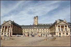Dans quelle ville peut-on voir le palais des ducs de Bourgogne ?