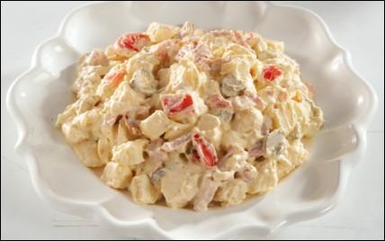 Quelle salade est réalisée à base de pommes de terre ?