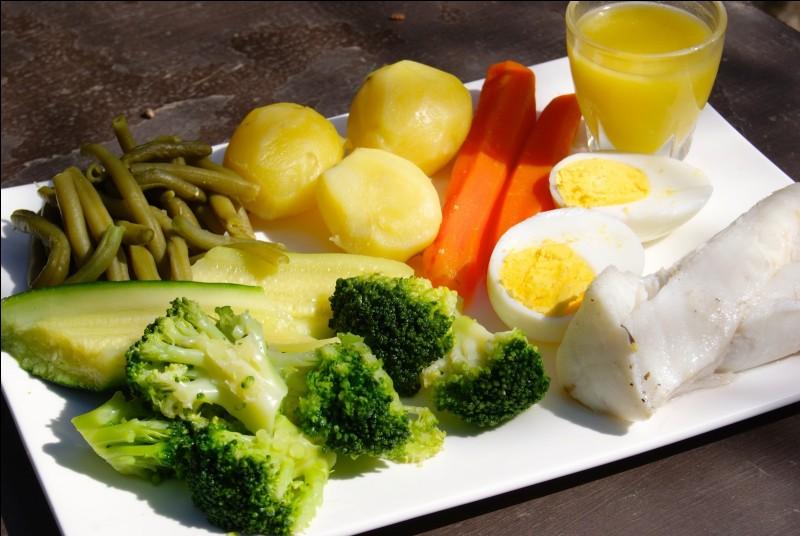 Quel plat de poisson rassemble pommes de terre, haricots verts, artichauts, carottes, courgettes, brocolis et choux-fleurs ?