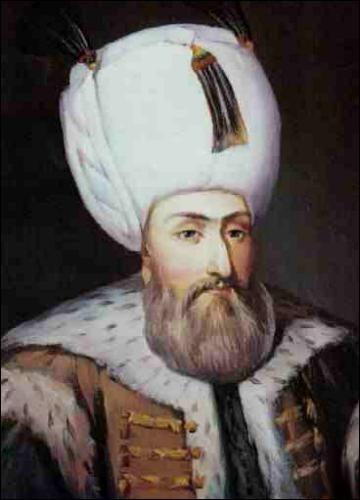 """Surnommé """"le Magnifique"""" par les Occidentaux, Soliman est le plus grand sultan de l'Empire ottoman (musulman). Il s'empare de Belgrade et de l'île de Rhodes, bat les Hongrois et arrive devant Vienne, la capitale du plus puissant souverain d'Occident, Charles Quint. Bien qu'il y soit repoussé, il agrandit son empire jusqu'au Maroc. En 1530, avec qui inaugure-t-il une alliance ?"""