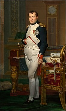 Après ses victoires contre les ennemis de la Révolution, le général corse Napoléon s'empare du pouvoir en France et devient Premier consul. Il parvient à conquérir une grande partie de l'Europe et devient empereur en 1804. Mais les alliances sont nombreuses et Napoléon et ses troupes sont affaiblis. Après quelle bataille, Napoléon est-il exilé sur Sainte-Hélène ?