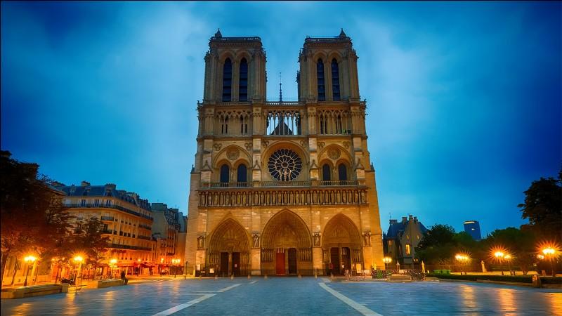 Quand les travaux ont commencé, la cathédrale était dédiée à :