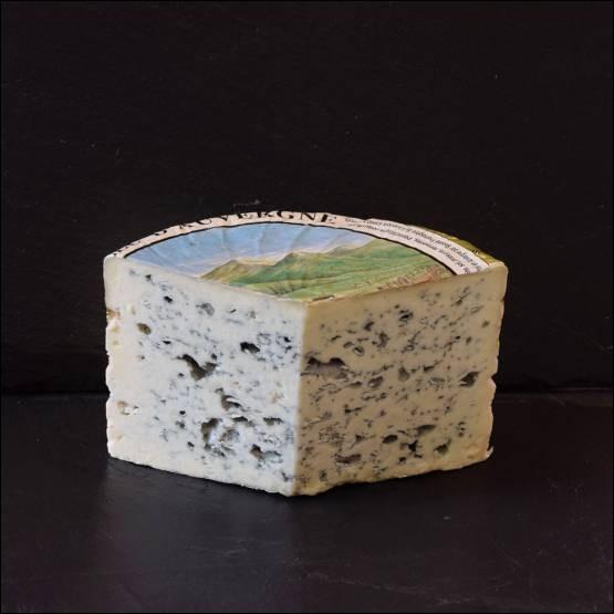 Dans ces régions nous trouvons de nombreux fromages. Laquelle de ces propositions n'est pas une pâte persillée ?