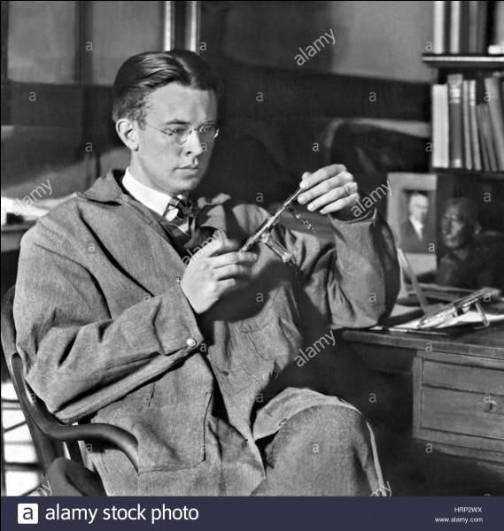 Qu'est-ce que le cyclotron, développé en 1932 par Ernest Orlando Lawrence ?