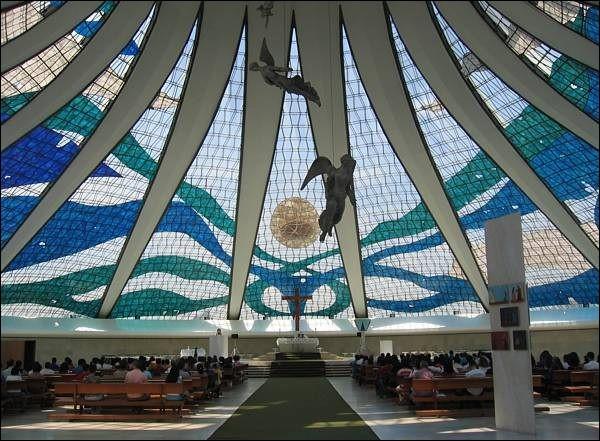 Quel architecte a conçu la cathédrale de Brasilia ?