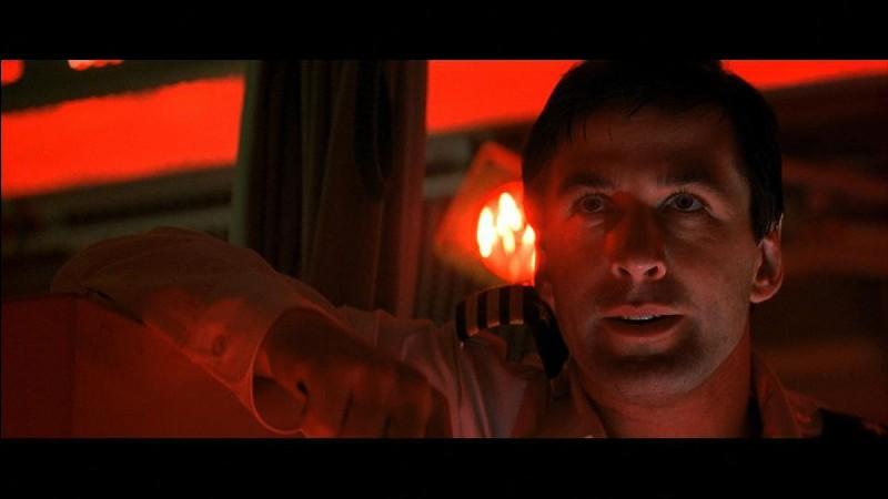 """Sean Connery a-t-il joué dans le film """"À la poursuite d'Octobre rouge"""" ?"""