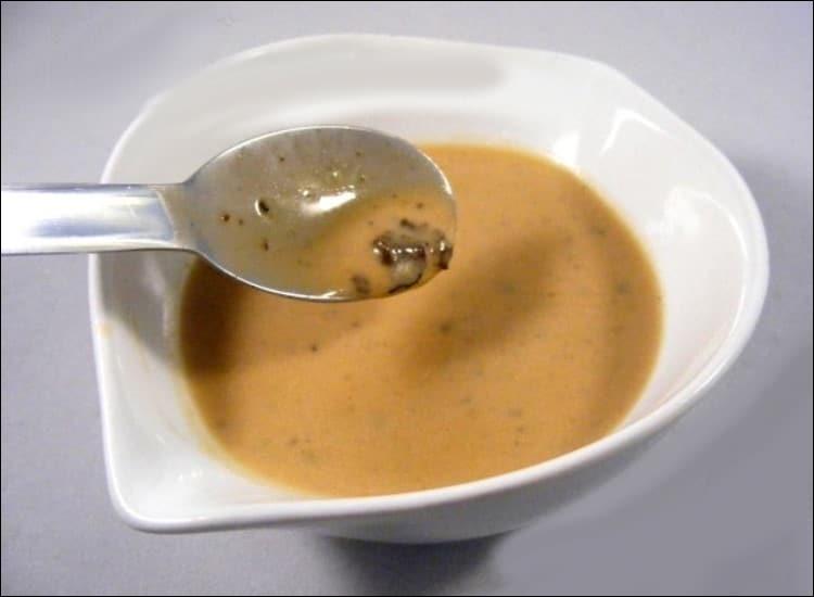 À quel aliment est particulièrement destinée la sauce Périgueux ?