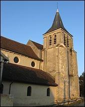 Mon nom est mentionné pour la première fois en 1036, dans un texte évoquant le don à l'abbaye de Lagny par Humbert de Vergy. En 1544, un de mes seigneurs assistant avec le comte de Lorges à la prise de Lagny se fait décapiter pour avoir pillé des reliques. Que suis-je?