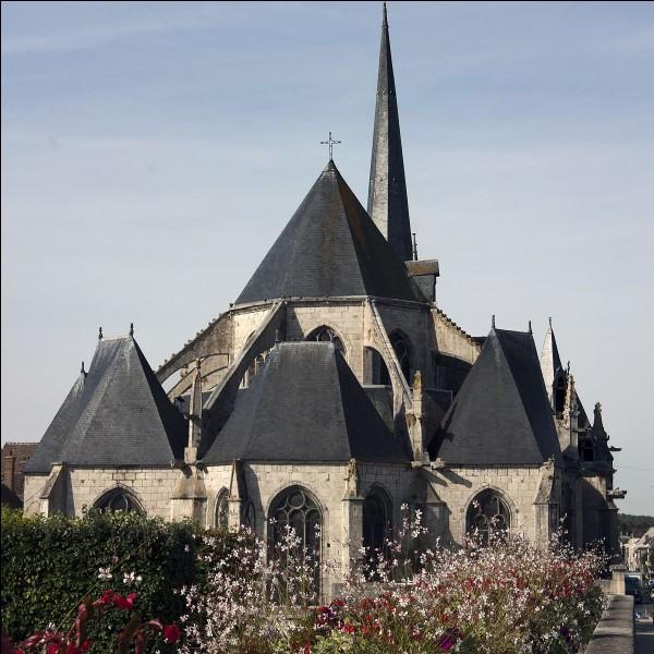 Mon château et mon église nommée Saint-Jean Baptiste ont été construits à la demande de Gauthier de Villebéon. J'ai été acquise dans le domaine royal par le roi Philippe III en 1274. J'ai été incendiée durant la guerre de Cent Ans en 1358, ce qui a fait brûler mon église qui par la suite à été reconstruite. Que suis-je?