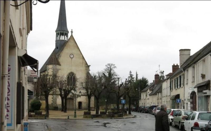 L'existence de ma paroisse n'est reconnue qu'en 1386 avec la présence d'un curé officiant dans mon ancienne chapelle, ensuite remplacée par une église. Le château de Poncher étant sur mon territoire est acheté par la maréchale Léonora Dori en 1613. Quatre ans après l'assassinat de son époux, le château est confisqué et donné à Honoré Charles d'Albert de Luynes favori de Louis XII. Que suis-je ?