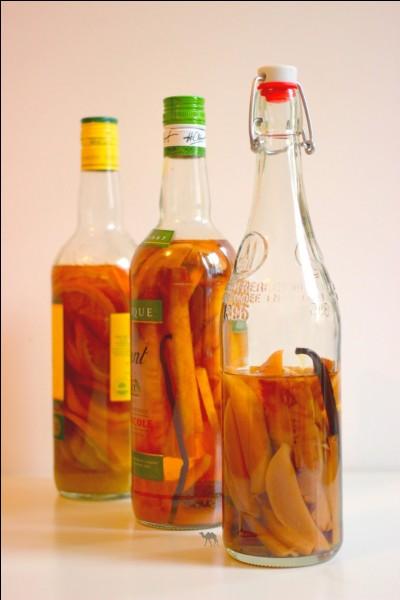 Comment appelle-t-on cette boisson dans laquelle nous mettons des fruits ou encore des épices dans du rhum ?