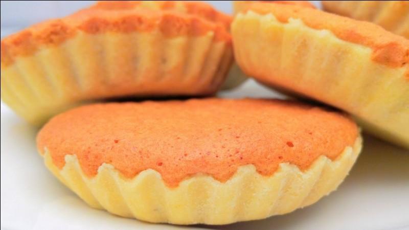 Qu'est-ce que cette petite tarte antillaise à base de crème pâtissière, noix de coco et génoise ?