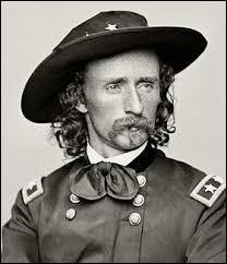 Ce colonel américain a contribué au massacre des Indiens d'Amérique. Il est mort au cours de la bataille de Little Bighorn. C'était...