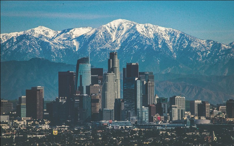 Los Angeles est dans l'État de la Californie.