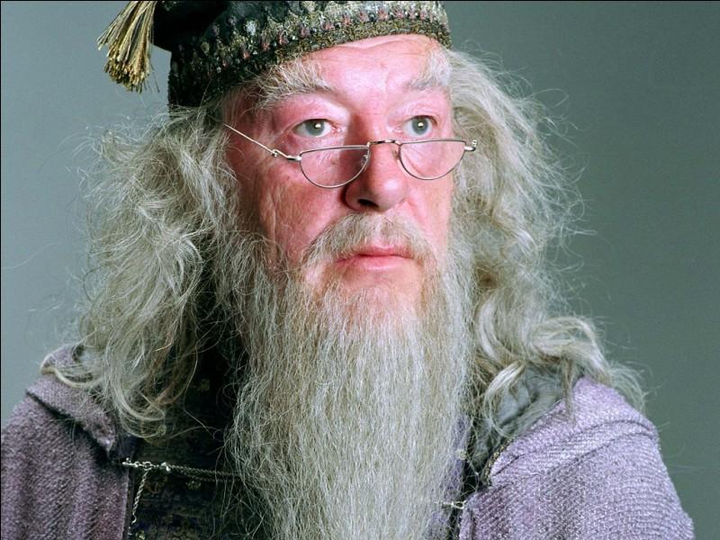 Pour commencer facile, quel est le nom complet de Dumbledore ?