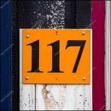 """Dans le film """"OSS 117 : Le Caire, nid d'espions"""", quel est le nom de OSS 117 joué par Jean Dujardin ?"""