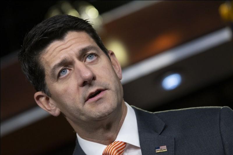 """Laquelle ce ces institutions est totalement renouvelée lors de cette élection ? Indice : Le républicain Paul Ryan (présent sur la photo ci-contre) est le """"speaker"""" de cette institution."""