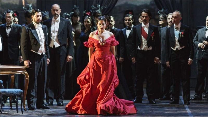 Dans quel opéra de Verdi peut-on retrouver les personnages de Violetta, Flora et Alfredo ?