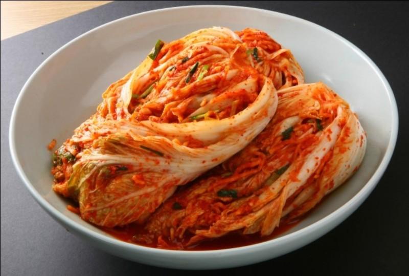 Véritable emblème de la Corée, ce chou fermenté et épicé se mange à toutes les sauces. C'est le...